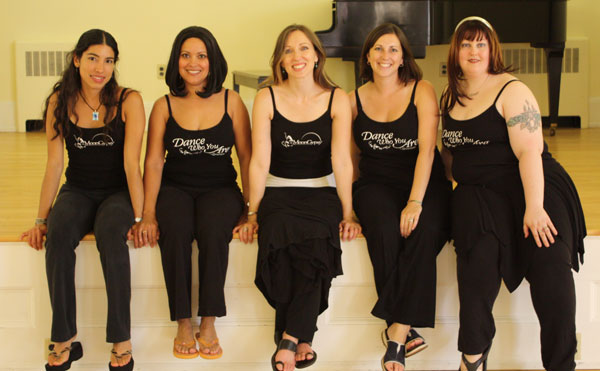 Lurainya Koerber and her students at bellydancing workshop in Doylestown, PA wearing MoonGypsy tank tops